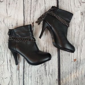 Forever 21 black chain stiletto boots size 6